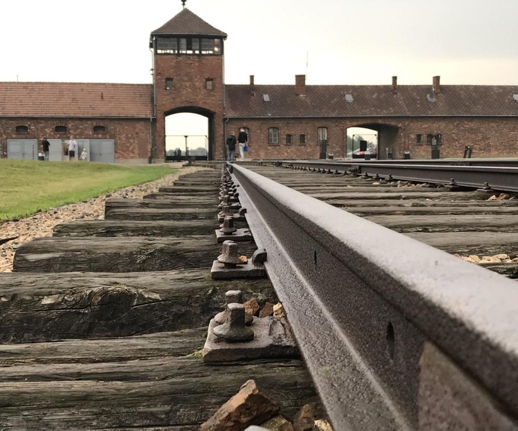 Auschwitz Buchungsanfrage